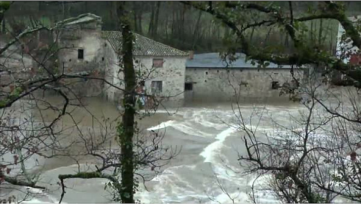 Décrue de l'Aveyron ce lundi 22 janvier 2018.